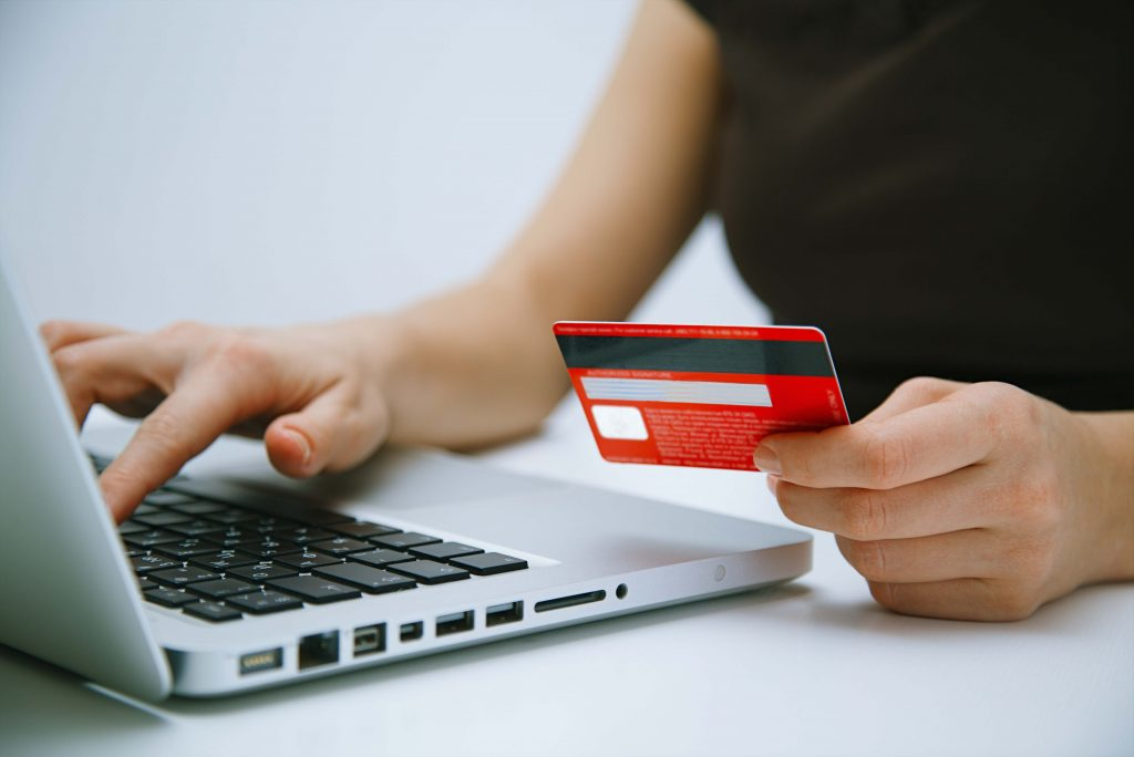 En-Hizli-Kredi-Kartlari En Hızlı Ulaşan Kredi Kartları Hangileri ?